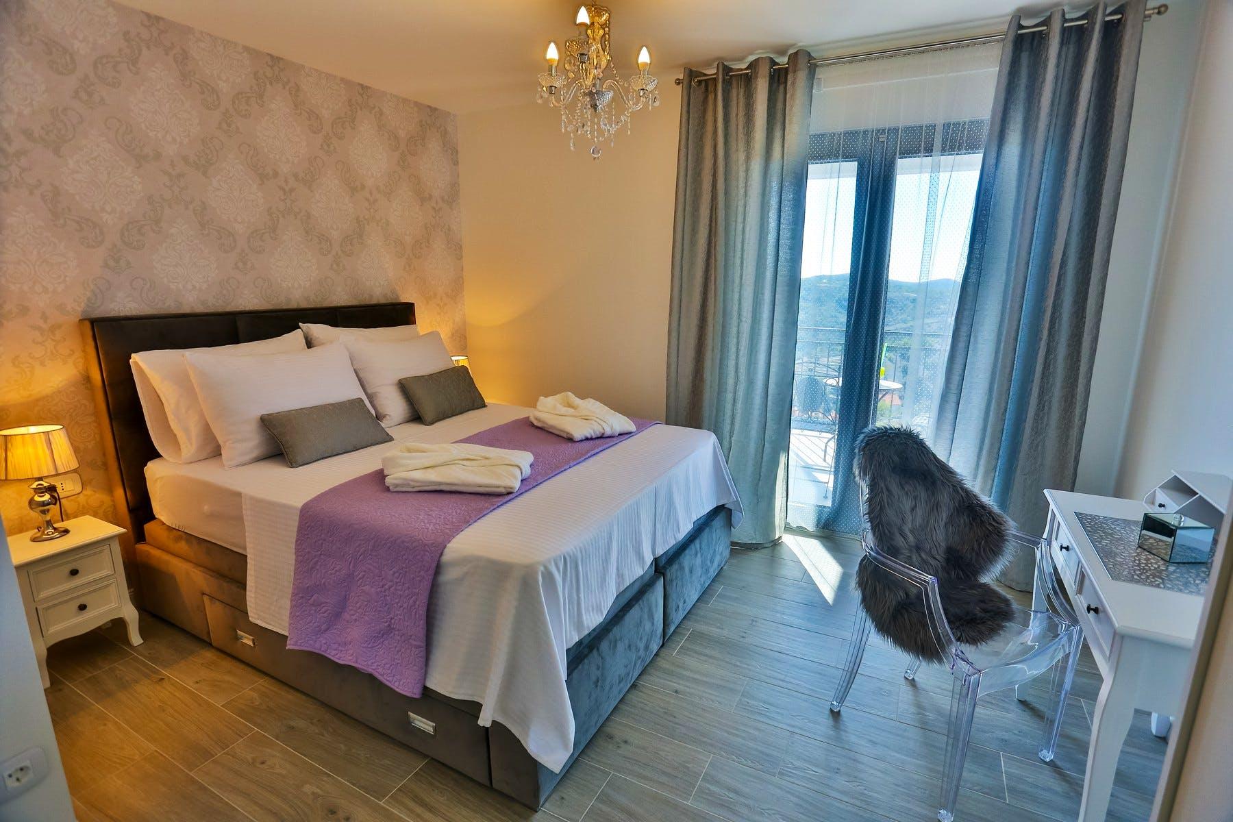 Comfortable en-suite bedroom with sea view