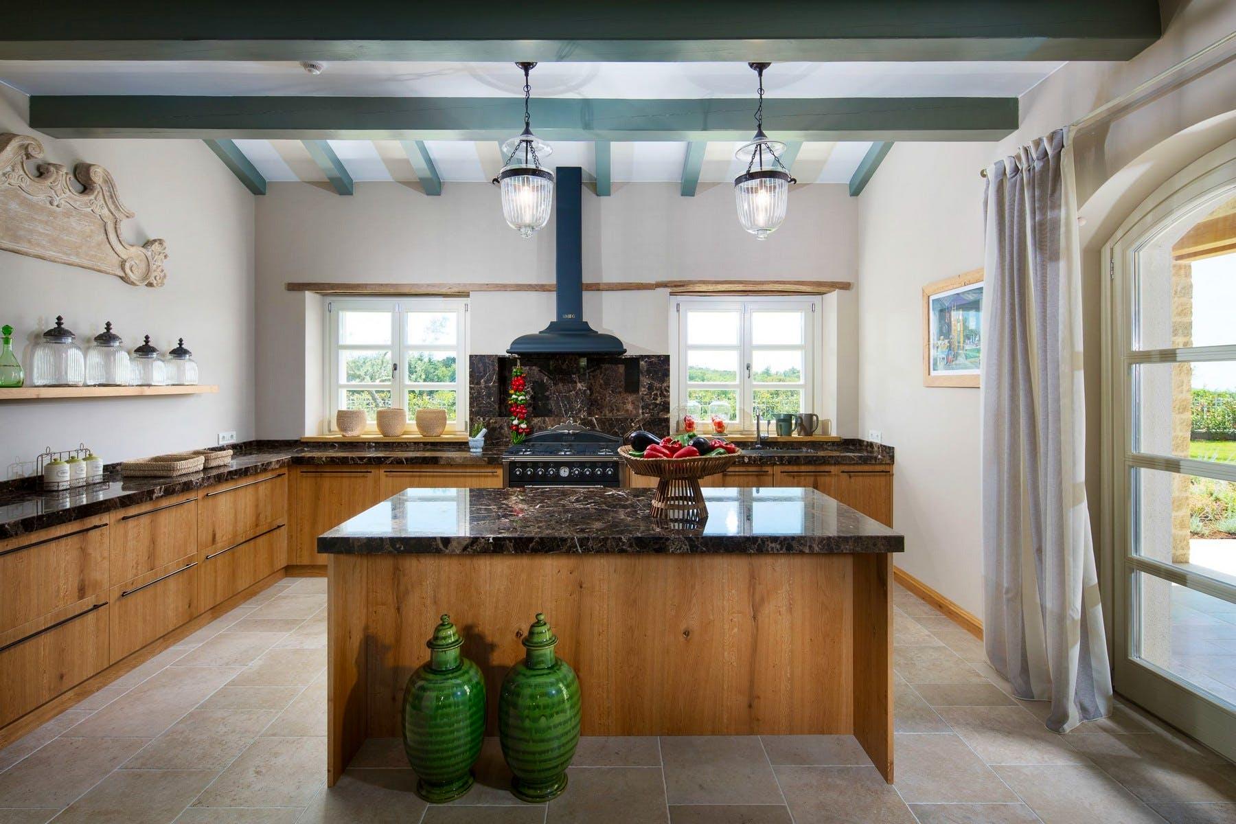 Moderna i potpuno opremljena kuhinja
