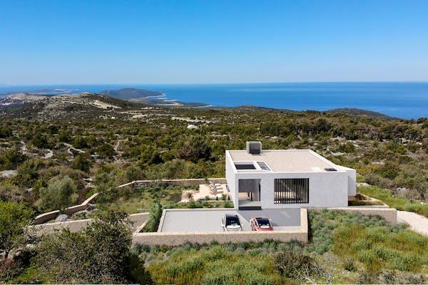 Peaceful location of the villa providing scenic sea view