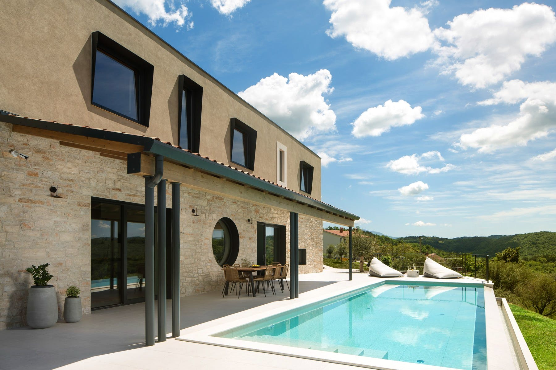 Villa with stunning panoramic views of the Istrian countryside for sale