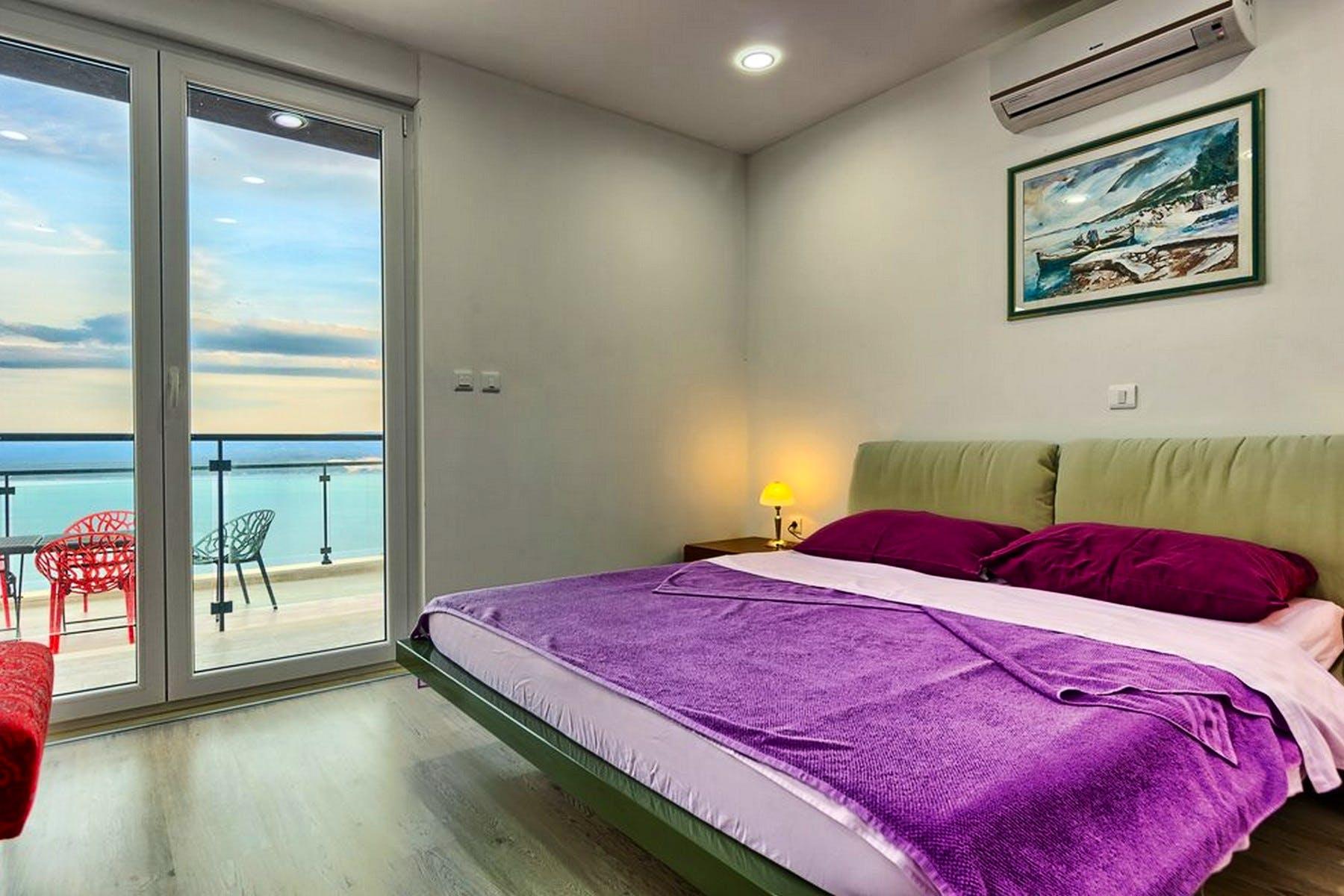 En-suite bedroom with sea view
