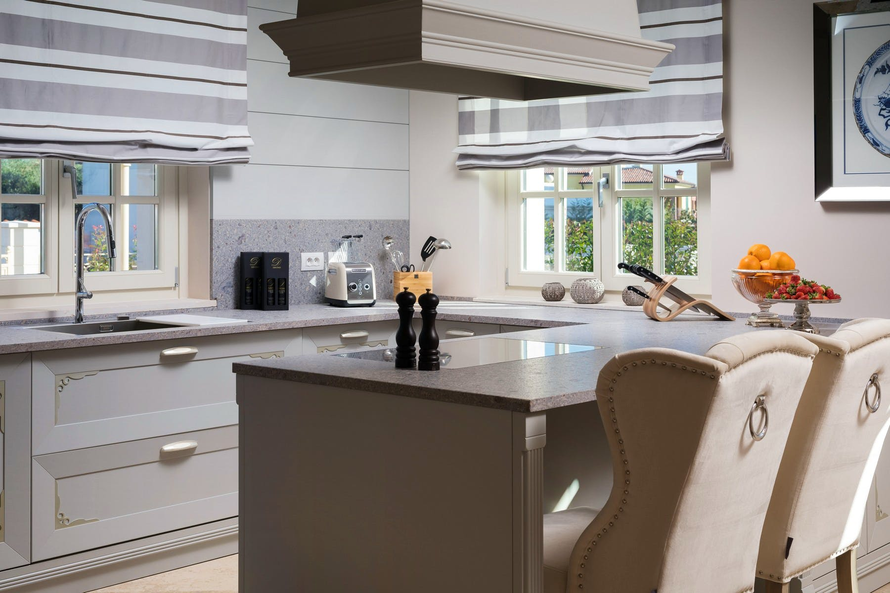 Fully-equipped and elegant kitchen area