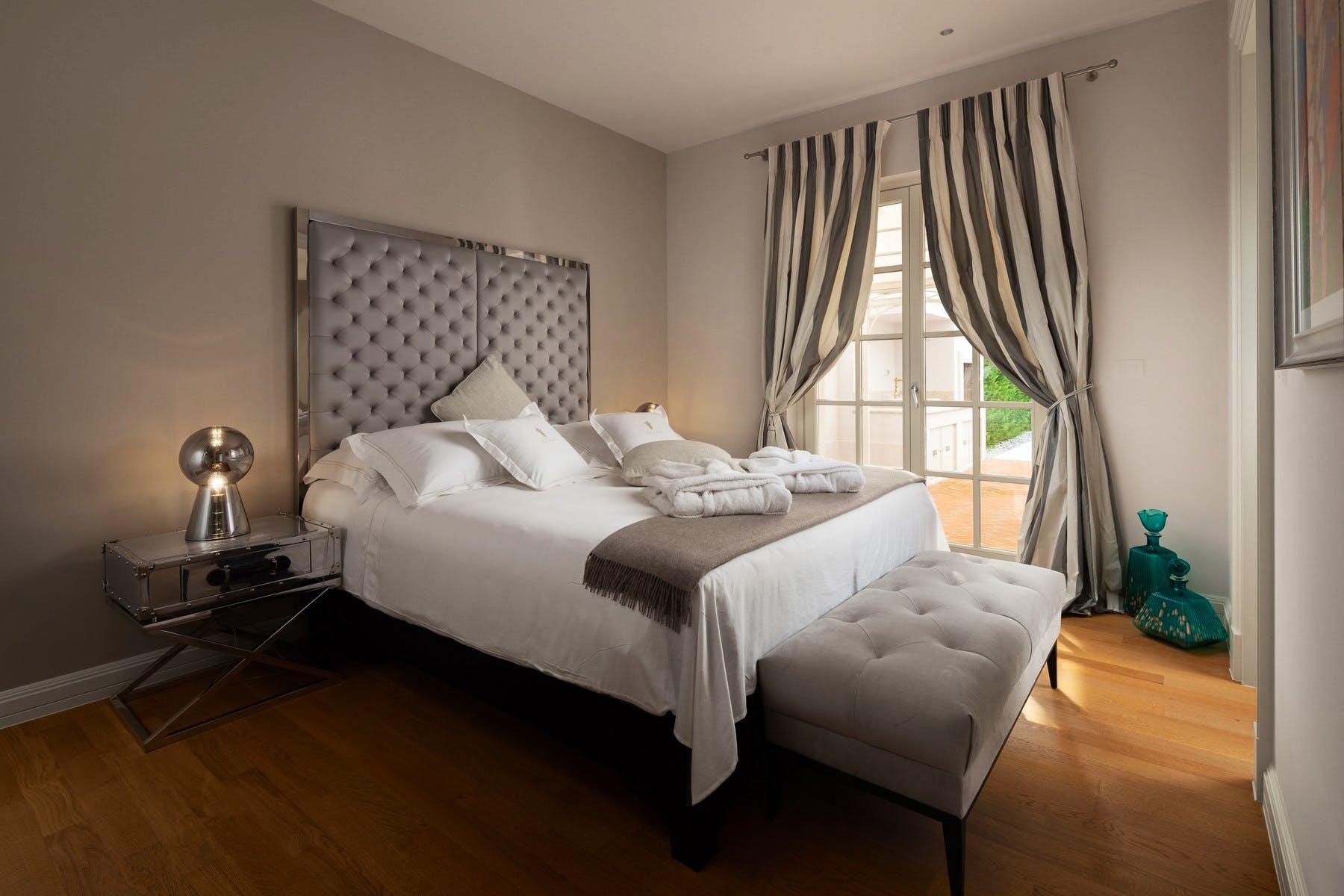 Luxurious double bedroom decor