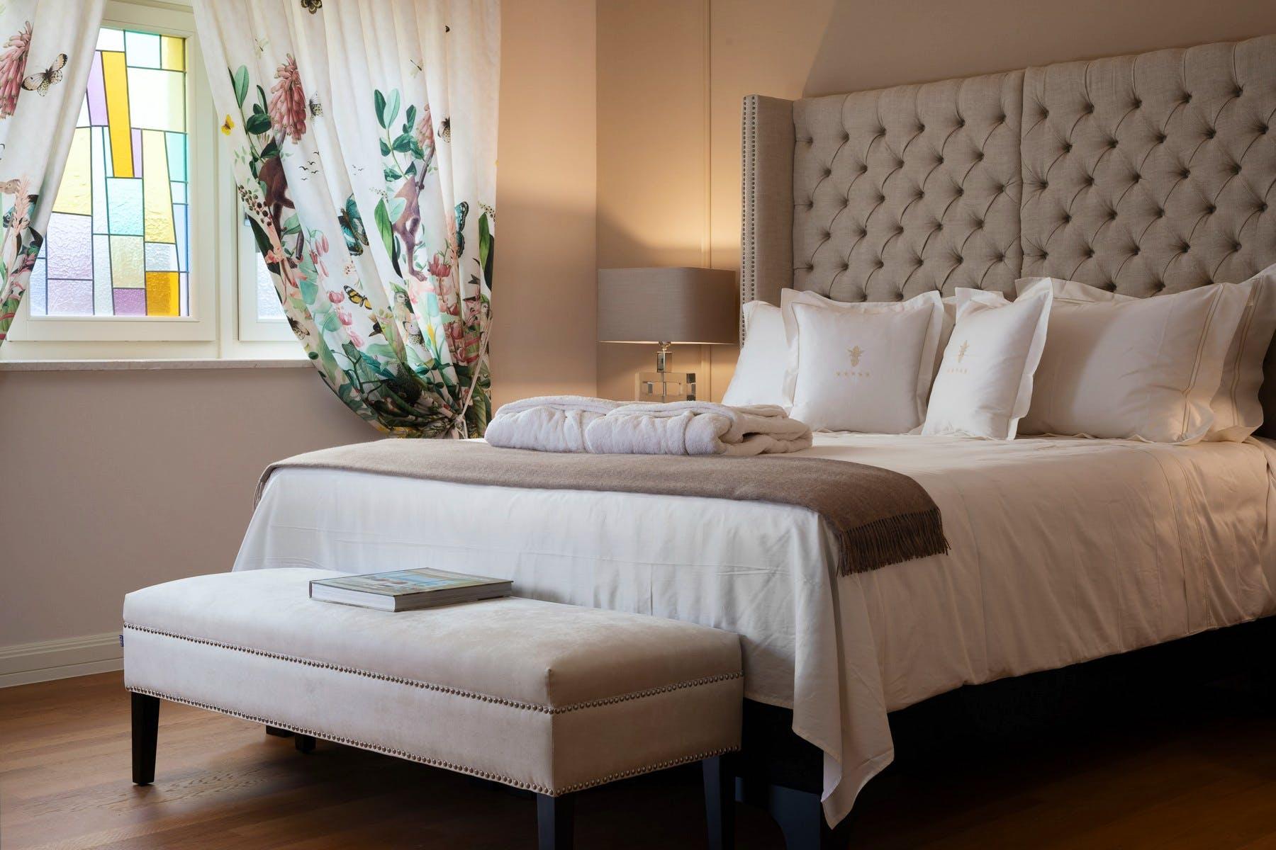 Elegant double bedroom decor