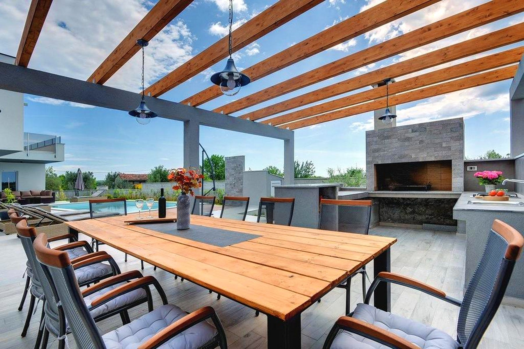 Outside dining area and summer kitchen
