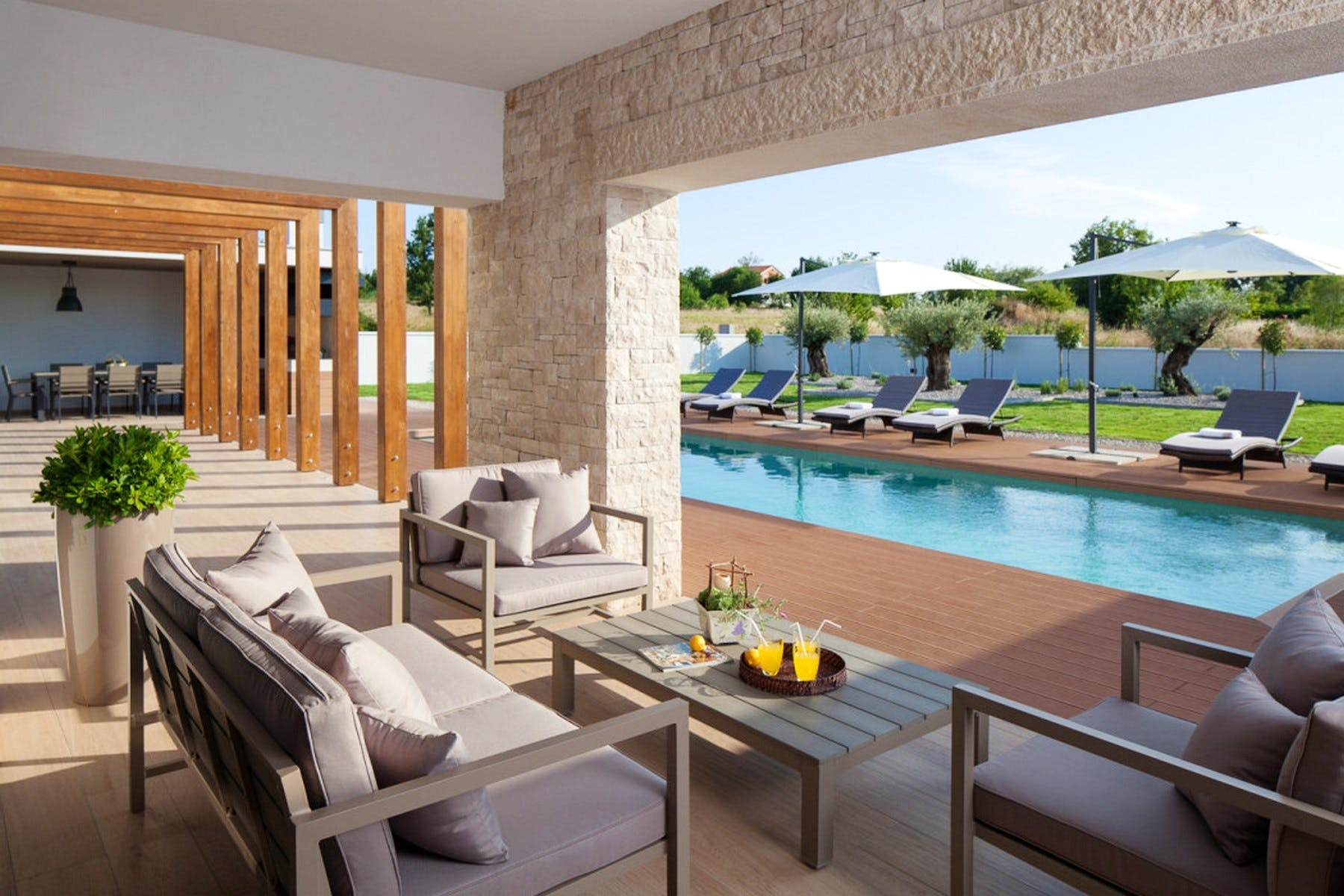 Lounge zone by the pool