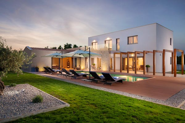 Modern villa with swimming pool in Istria for sale