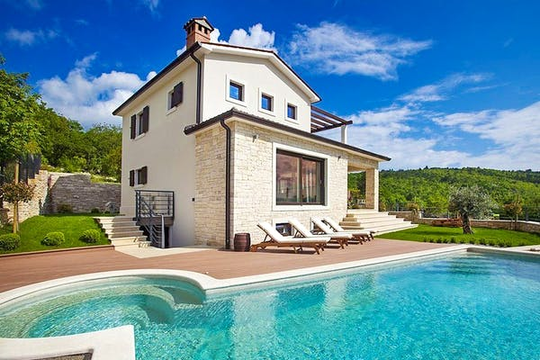 Villa with swimming pool in Istria for sale