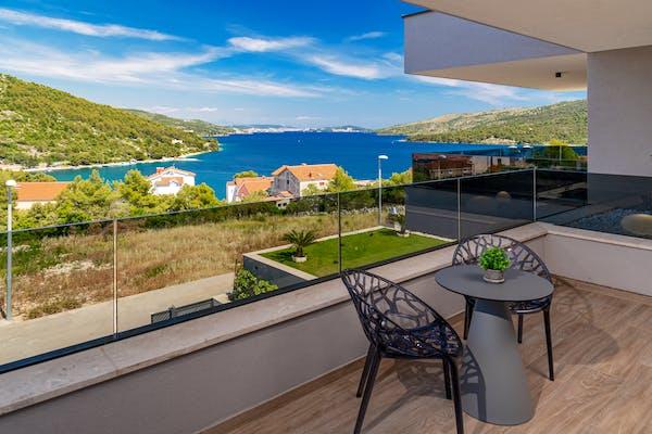 Idilični pogled na more s terase