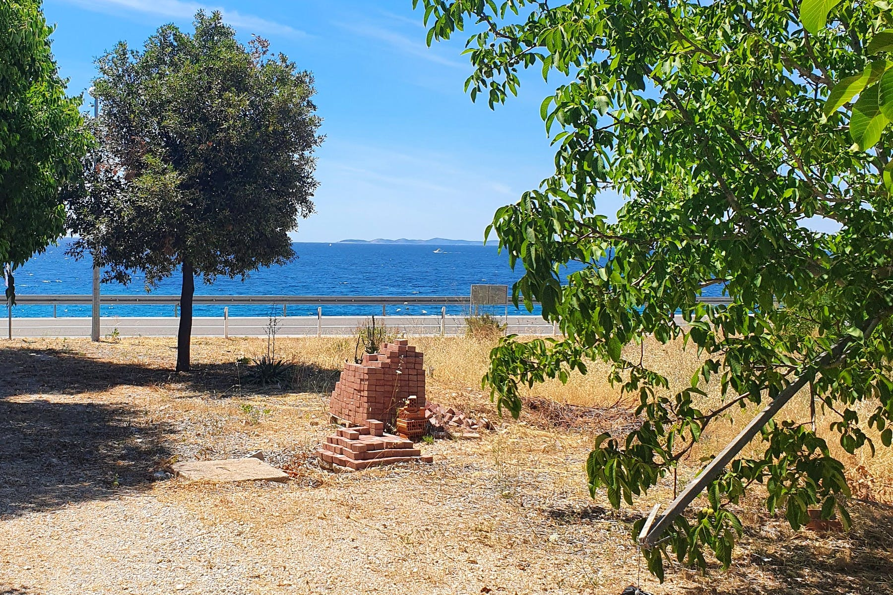 Sea front building plot near Primošten