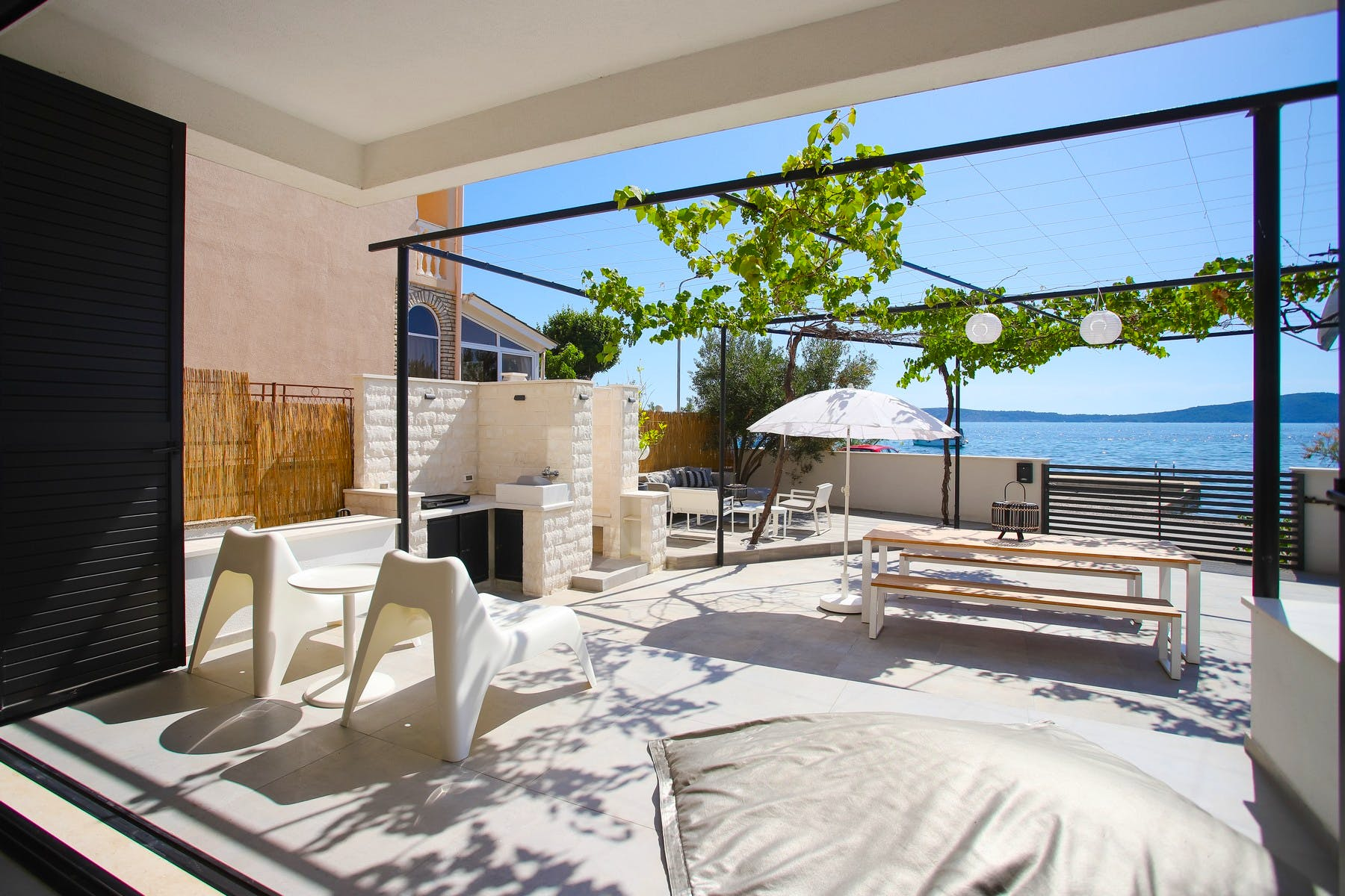 Carefully designed terrace with sea view