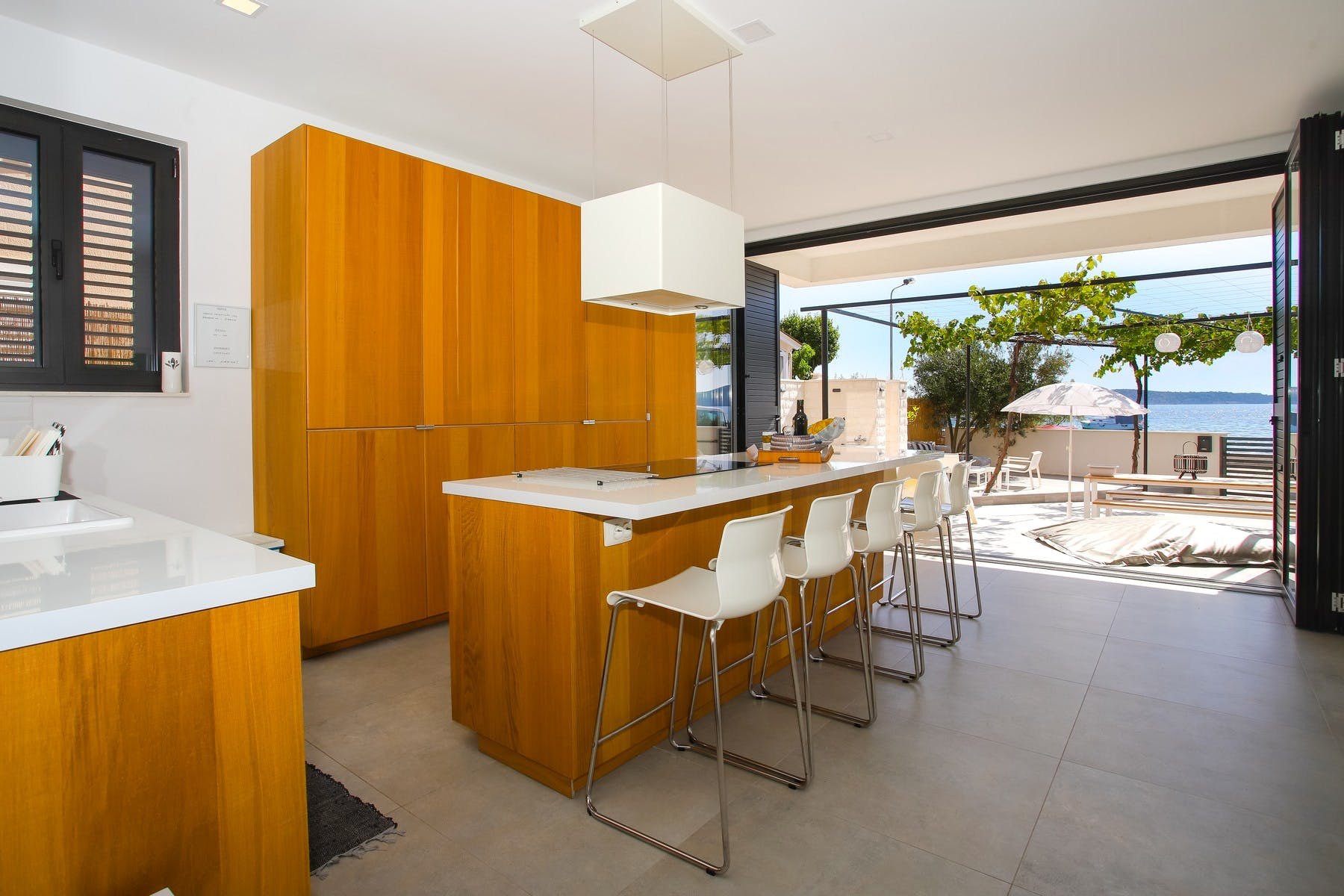 Open space kitchen with dining area