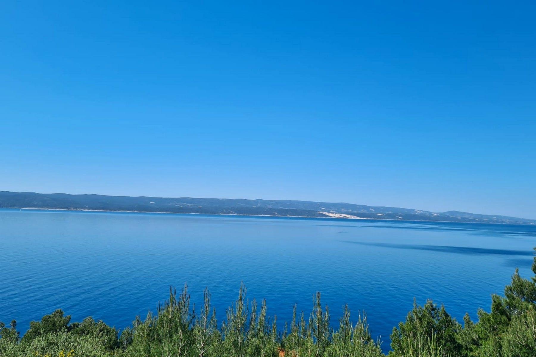 Inspirativni pogled na more sa parcele