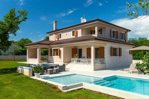 Traditional Istrian stone villa with swimming pool