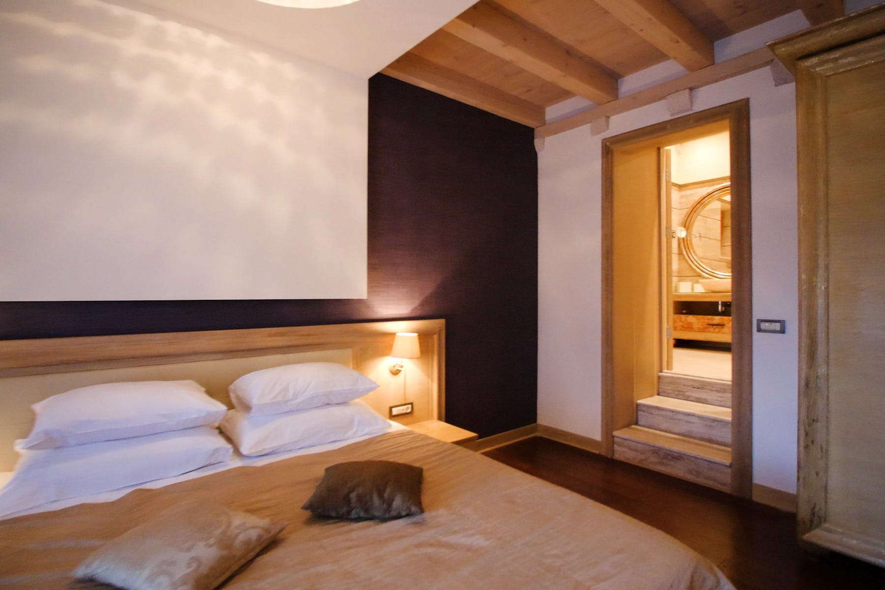 Elegant bedroom for two persons