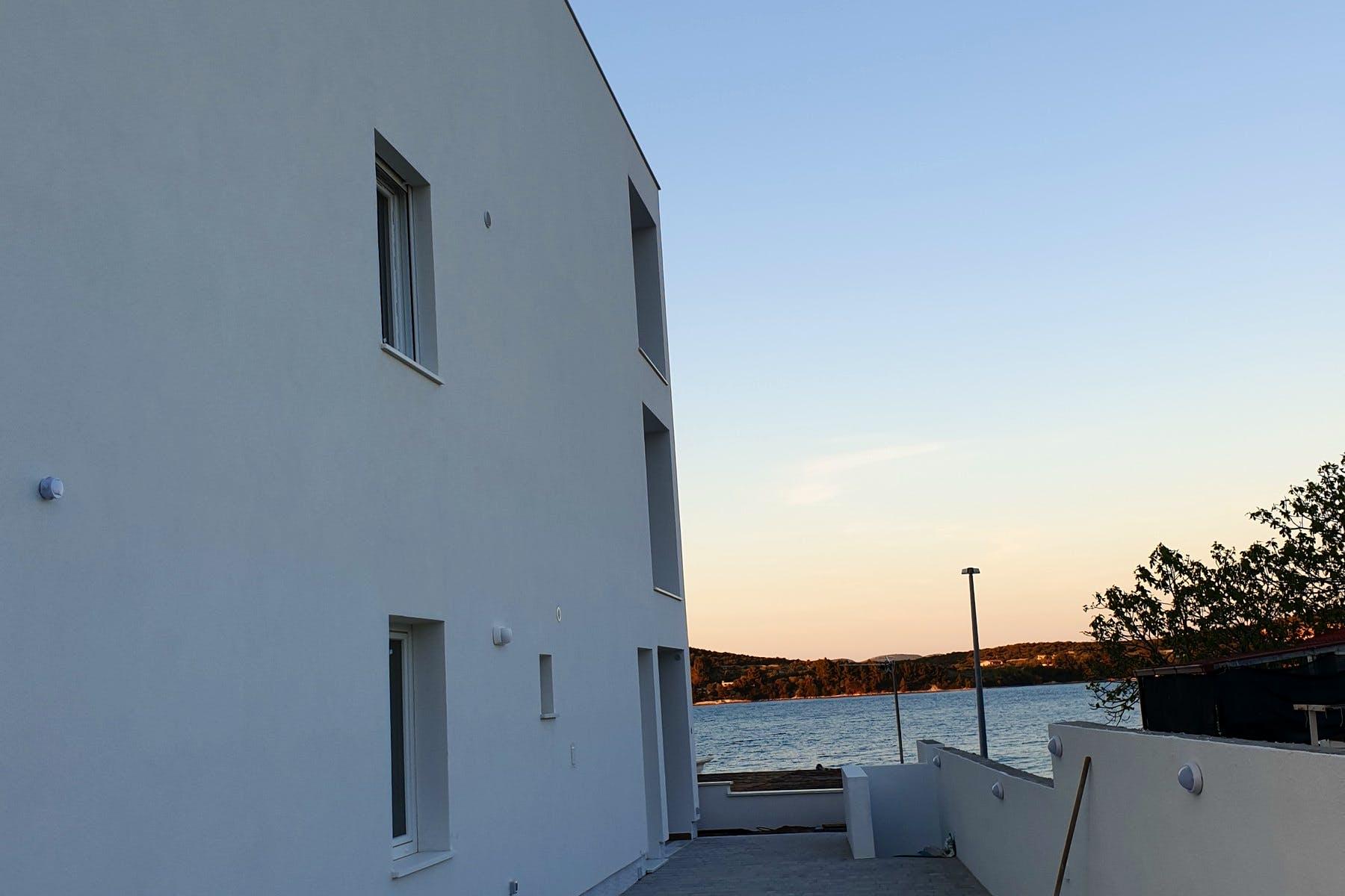 Novoizgrađena stambena zgrada na Murteru