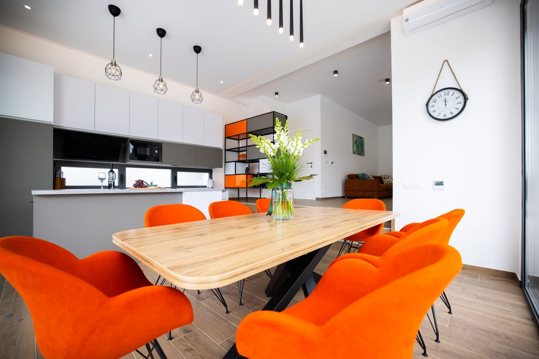 Fully-fitted kitchen with adjoining dining room