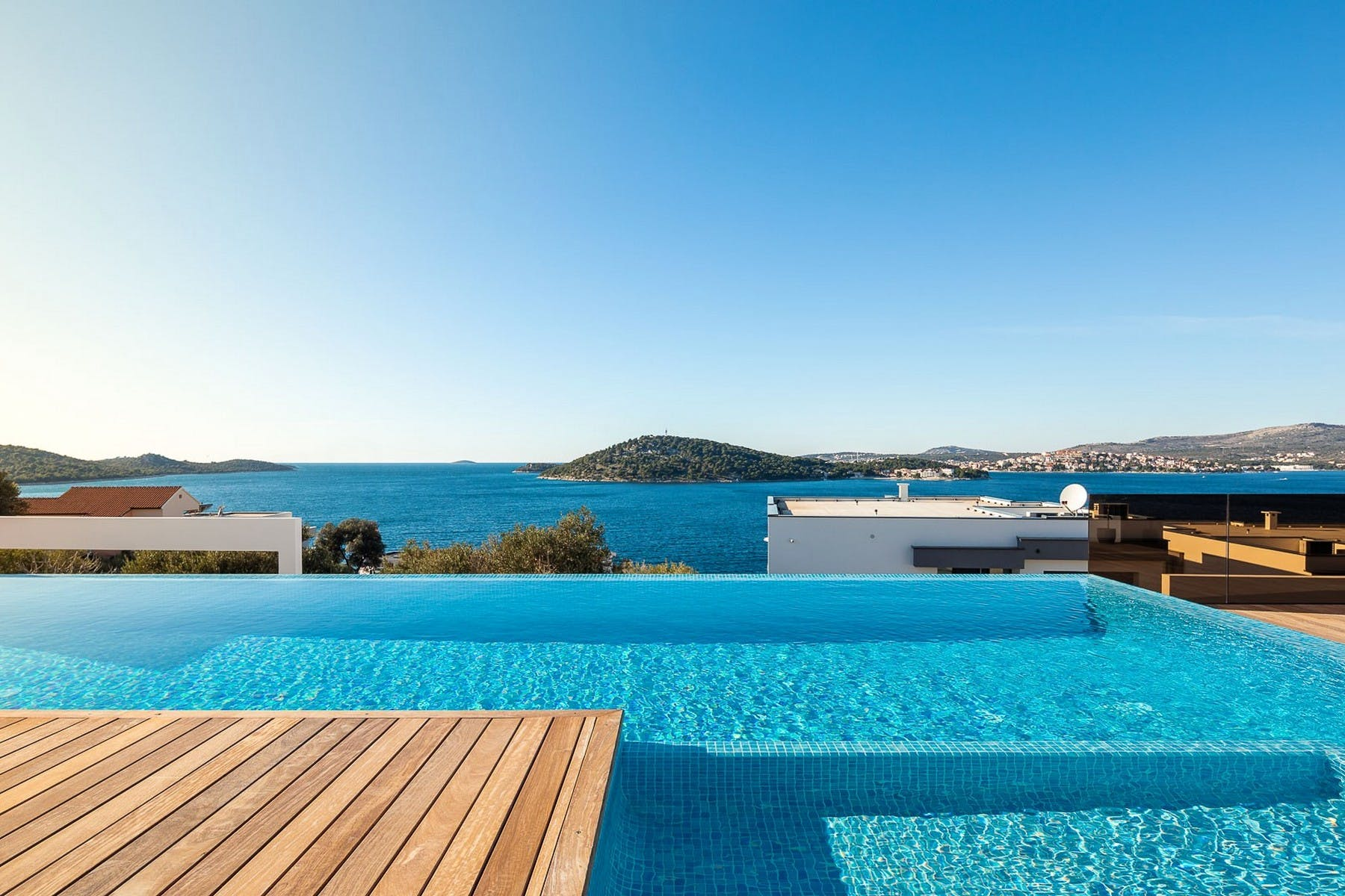 Stunning open sea view from terrace and infinity swimming pool